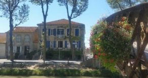 Vackert borgarhus med B&B, vid Canal du Midi