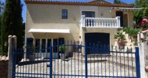 Villa med pool, vackert läge i Roquebrun