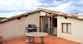 Rymligt byhus med garage och stor terrass