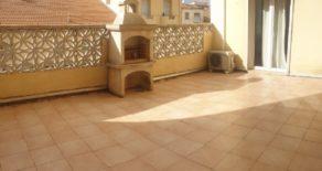 Lägenhet med stor terrass, i Béziers