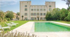 Magnifikt  borgarhus med pool