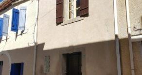 Litet byhus med uteplats, att renovera