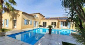 Villa med stor trädgård och pool