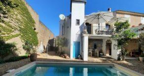 Borgarhus med pool, stort gästhus med trädgård