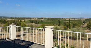 Villa med gästhus, fin utsikt