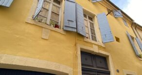 Renoverad lägenhet i gamla stan i Béziers