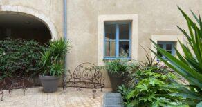 Renoverad marklägenhet med privat uteplats, i Béziers