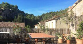 Byhus med stor terrass, i Cessenon