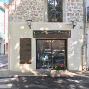 Byhus med butikslokal, i Cessenon