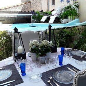 Renoverat borgarhus med terrass och pool